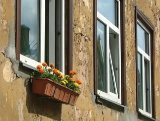 عوض کردن پنجره قدیمی